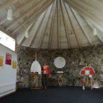 Textilarbeiten in der Kapelle